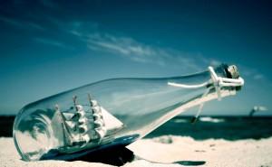 Корабль в бутылке Песок и море на рабочий стол обои пляж
