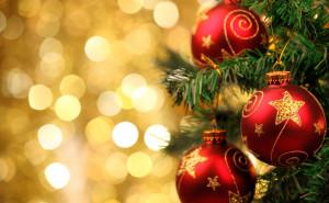 Праздник Новый год обои на рабочий стол высокого качества скачать рождество снег елки свечи елочные шары