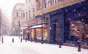 Зимняя улица город на рабочий стол обои скачать высокого качества