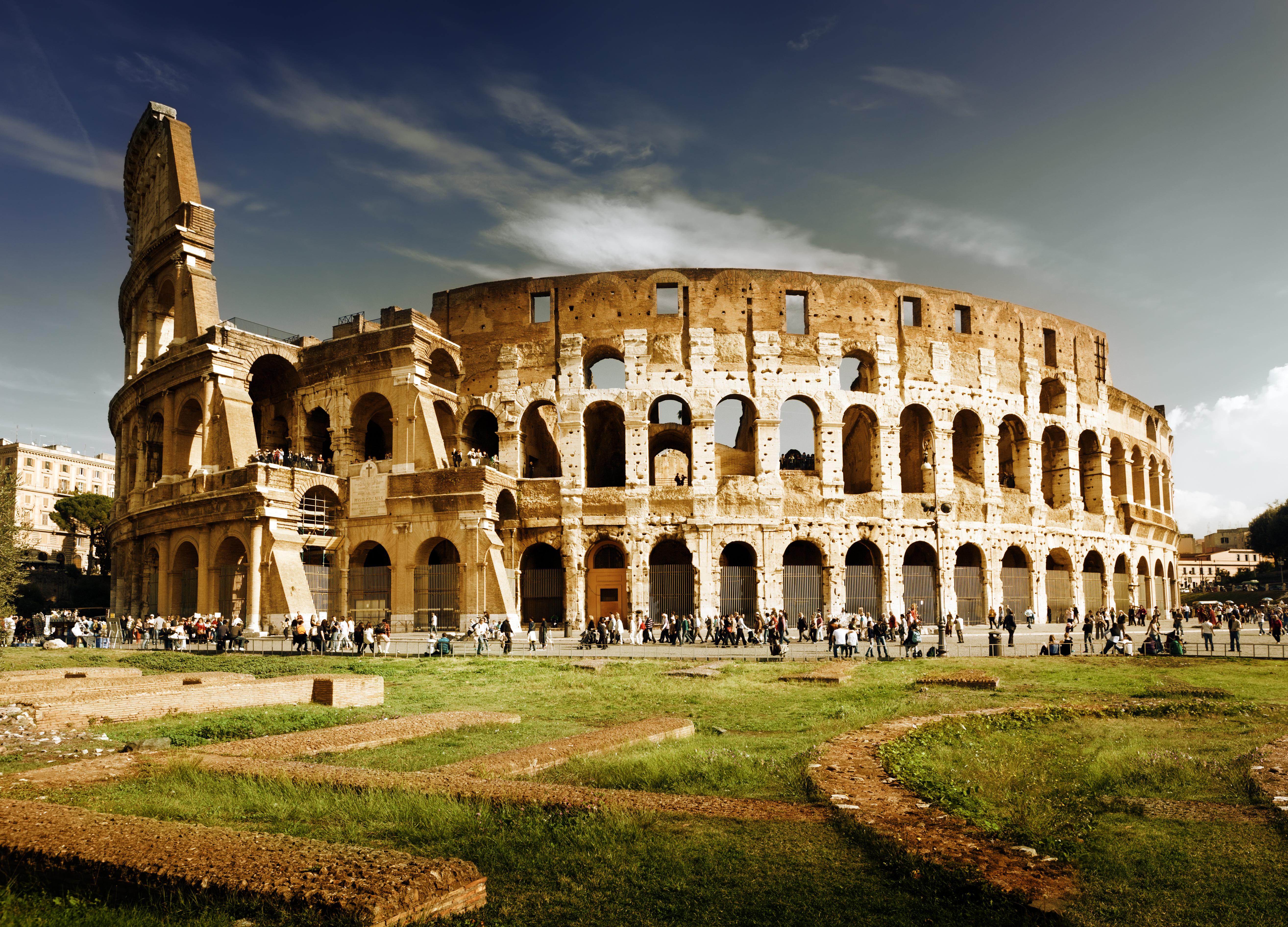 <p>Колизей</p>
