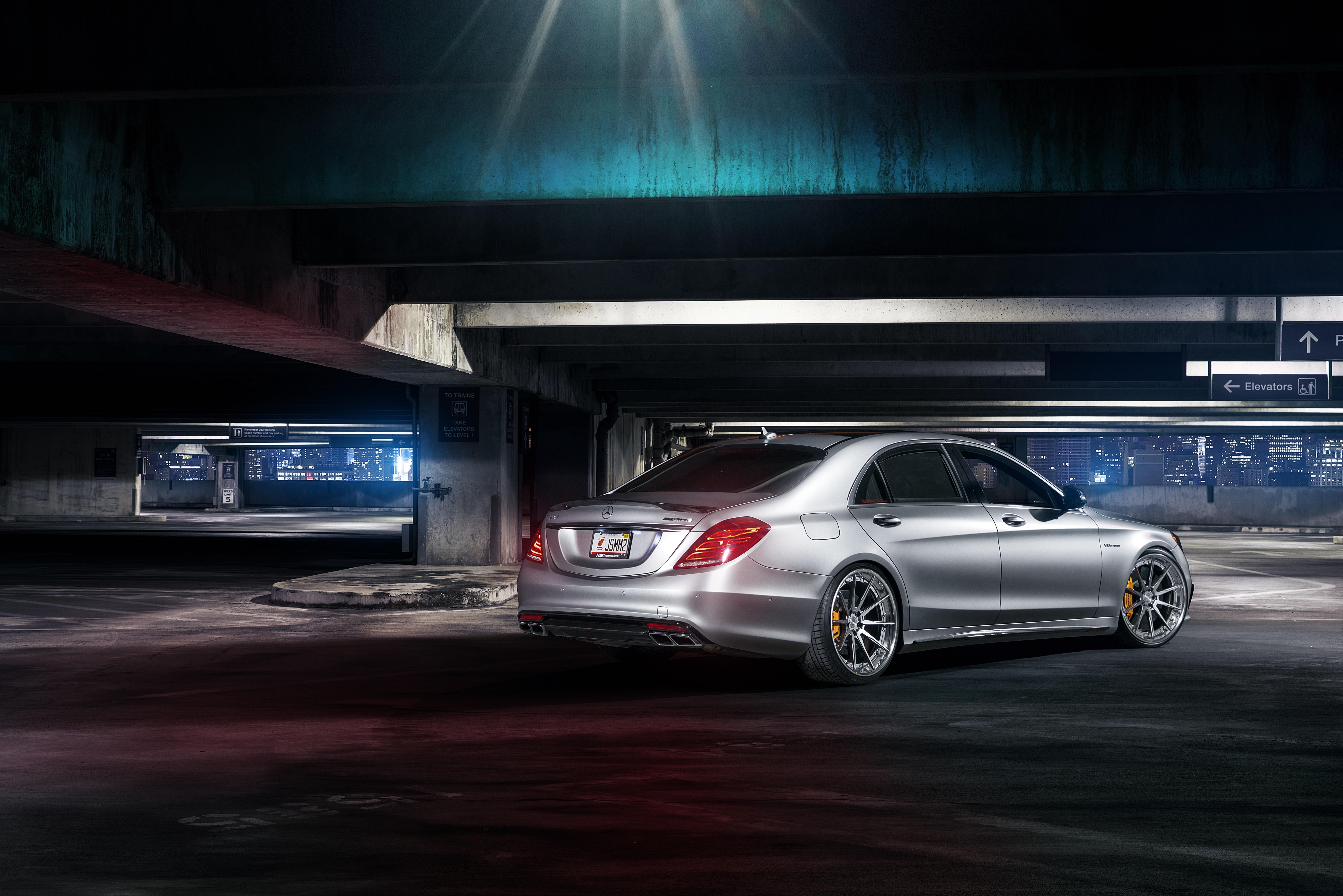 <p>Mercedes-Benz, S63</p>