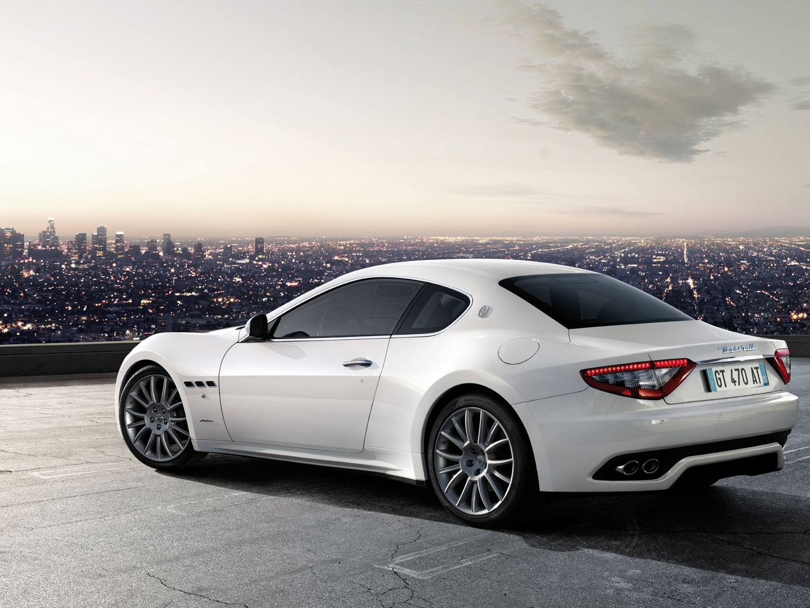 <p>Maserati</p>