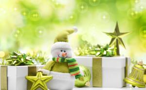 Игрушечные зеленый снеговик
