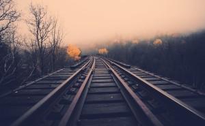 Железная дорога закат туман