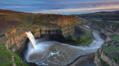 Водопад и равнина горы вода река возвышенность холмы