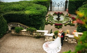 Любовь и свадьба фонтан поместье платье невеста романтика красиво любовь романтика обои выского качества скачать на рабочий стол