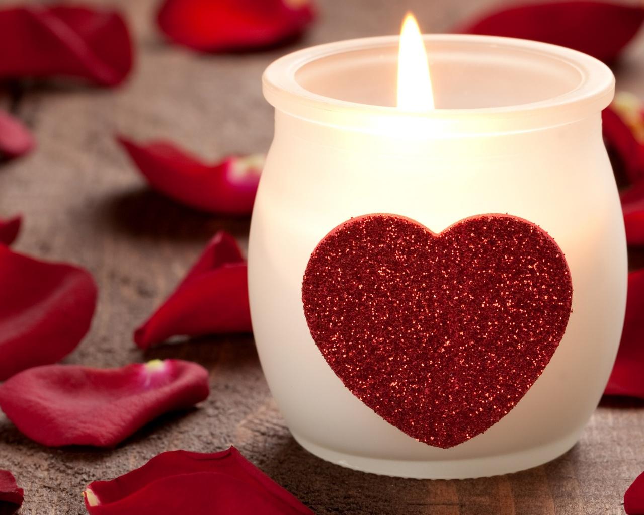 <p>Романтическая свеча</p>