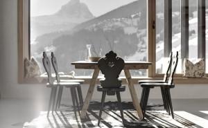 обои интерьер, дизайн, стиль, офис дом скачать обои на рабочий стол интерьер, стиль, дизайн, вилла стулья стол солнечный свет луч окно горы на фоне