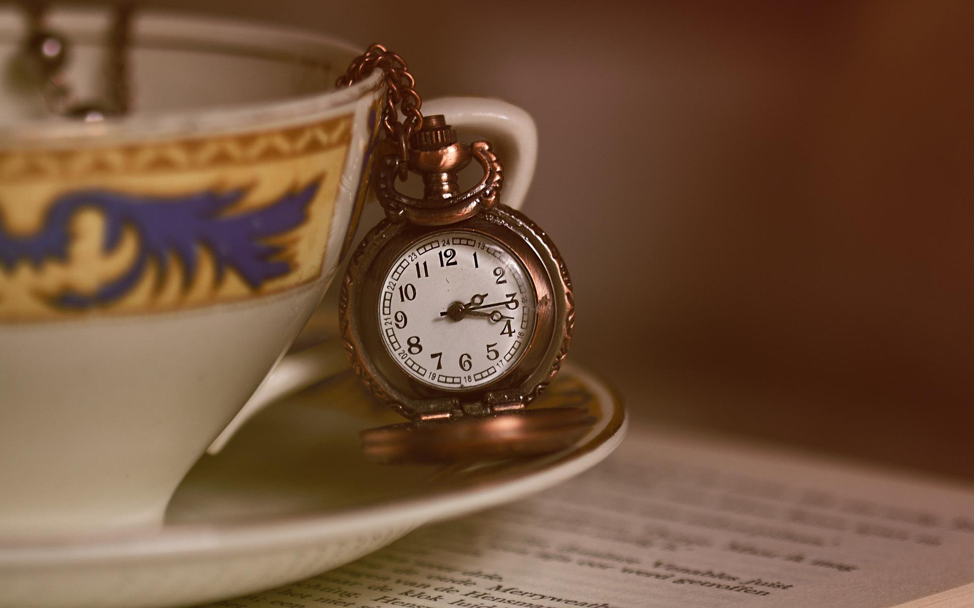 <p>Часы</p>