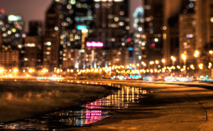 Город и пляж ночной огни город на рабочий стол обои скачать высокого качества